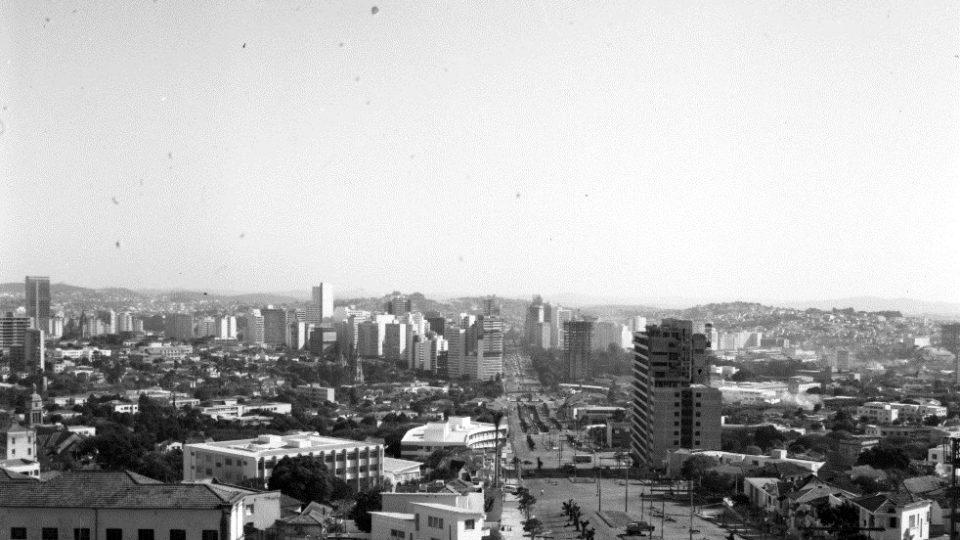 Foto de Julho de 1964, tirada em Belo Horizonte, MG. Laboratório de Fotodocumentação Sylvio de Vasconcellos