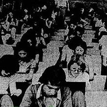 """""""Apesar do calor - 31 graus à sombra - que castigou durante toda a manhã mais de 20 mil pessoas reunidas no Estádio Minas Gerais (19701 candidatos e 1042 fiscais), o silêncio foi raras vezes interrompido por candidatos que disputavam 3091 vagas"""", divulga a cobertura do Jornal do Brasil em 1973. Miniatura"""