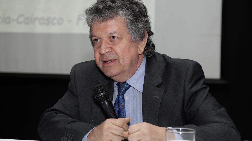 Norberto Garcia-Cairasco, neurocientista da USP. Foto: Foca Lisboa/UFMG