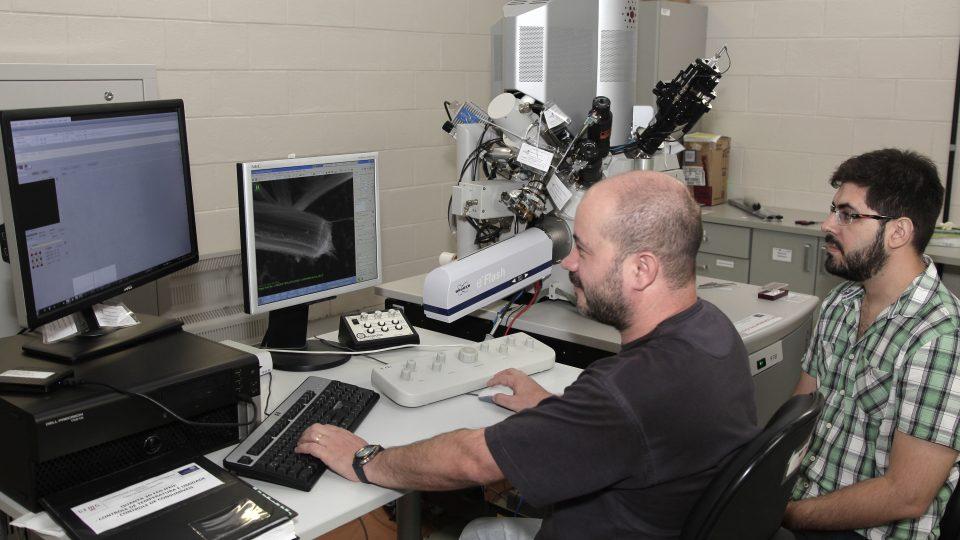 Centro de Microscopia da UFMG. Foto: Foca Lisboa UFMG