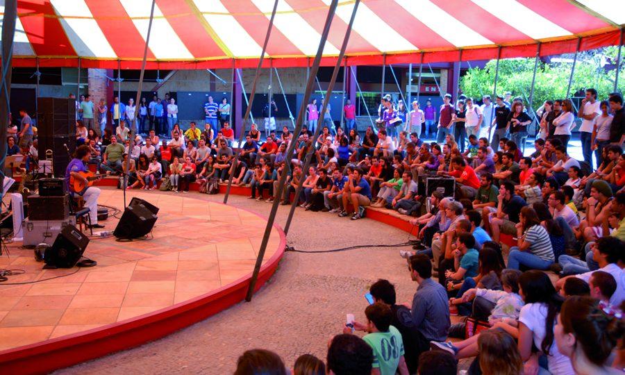 Arena multiuso da Praça de Serviços, que pode receber até 800 pessoas. Foto: Augusto Lacerda