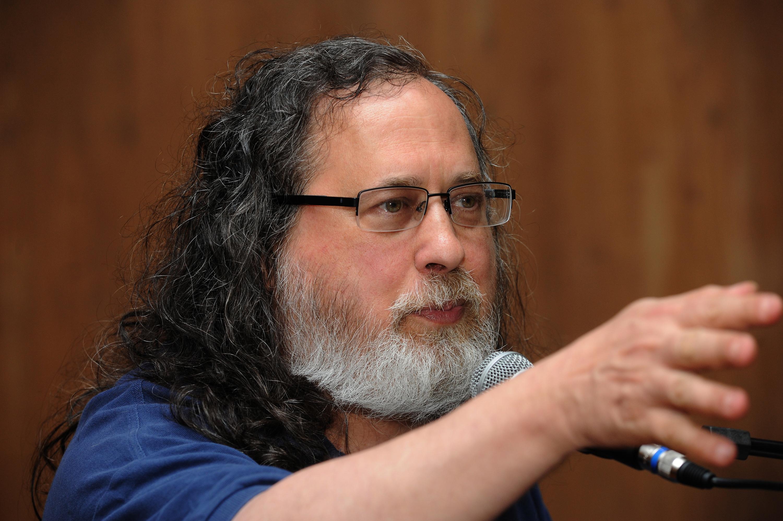 Stallman conclamou escolas e universidades a usar e ensinar apenas software livre. Foto: Foca Lisboa/ UFMG