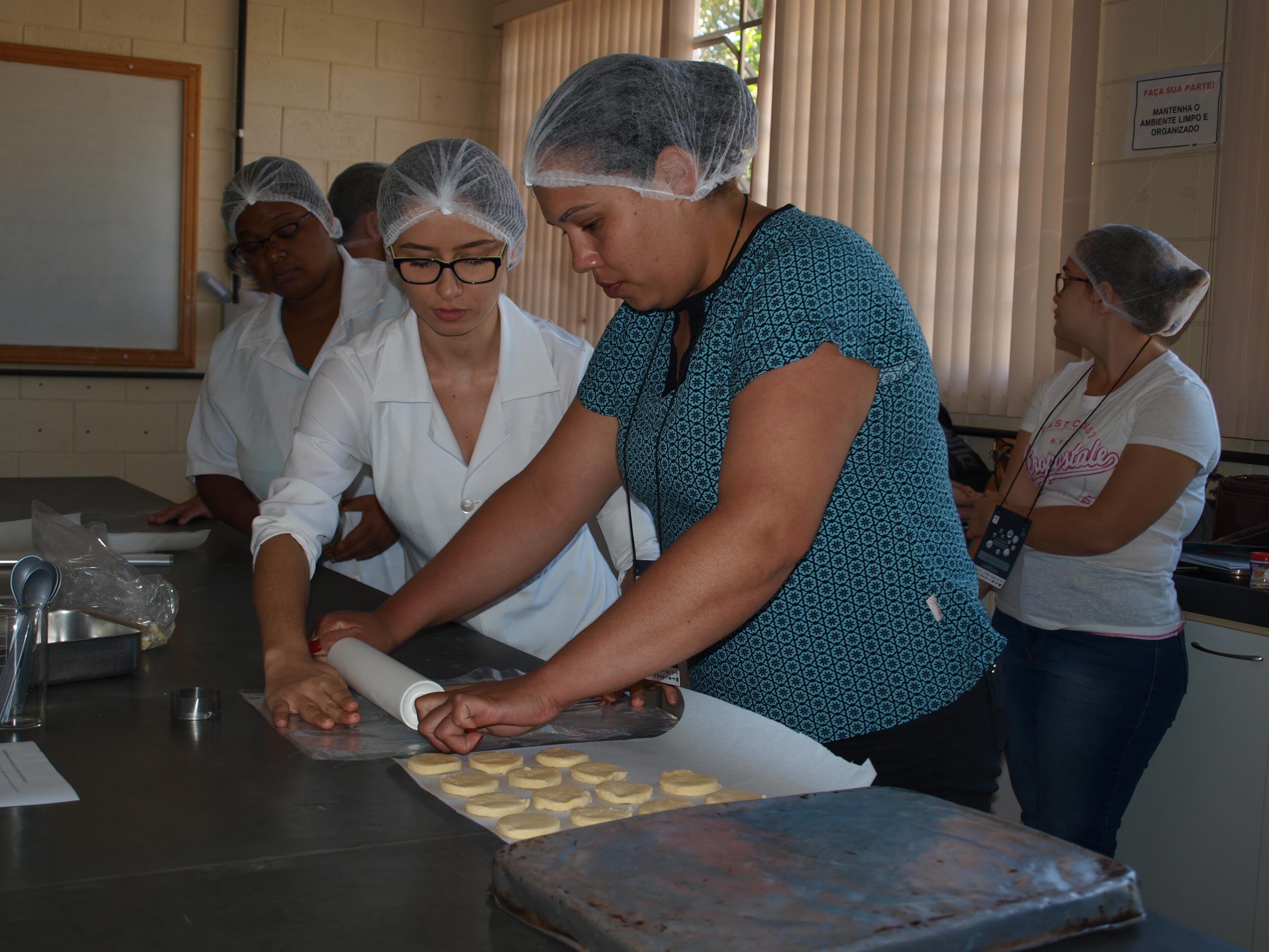 Participantes da oficina de boas práticas de fabricação de alimentos pela agricultura familiar. Foto: Jessika Viveiros / UFMG