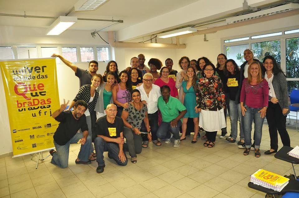 Encontro de acadêmicos com artistas e ativistas da comunidade da Rocinha, no Rio de Janeiro. Acervo Universidade das Quebradas