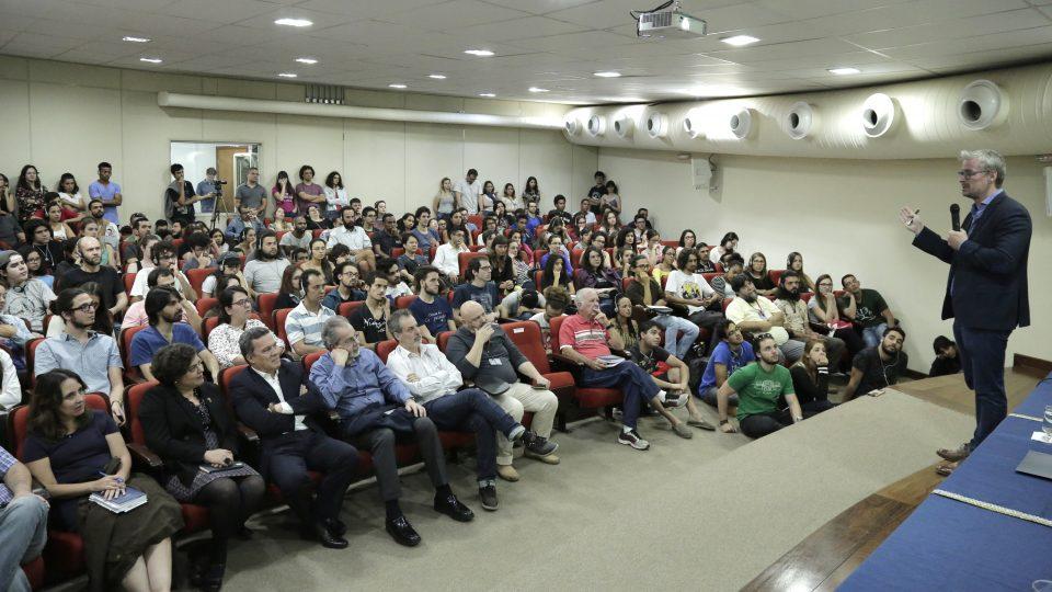 Eske Willerslev lotou o auditório 1 da Face. Foto: Foca Lisboa/ UFMG