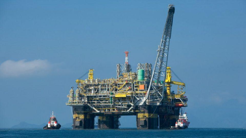 Plataforma de petróleo da Petrobras. Felipe Dana / Agência Petrobras - Fotos Públicas