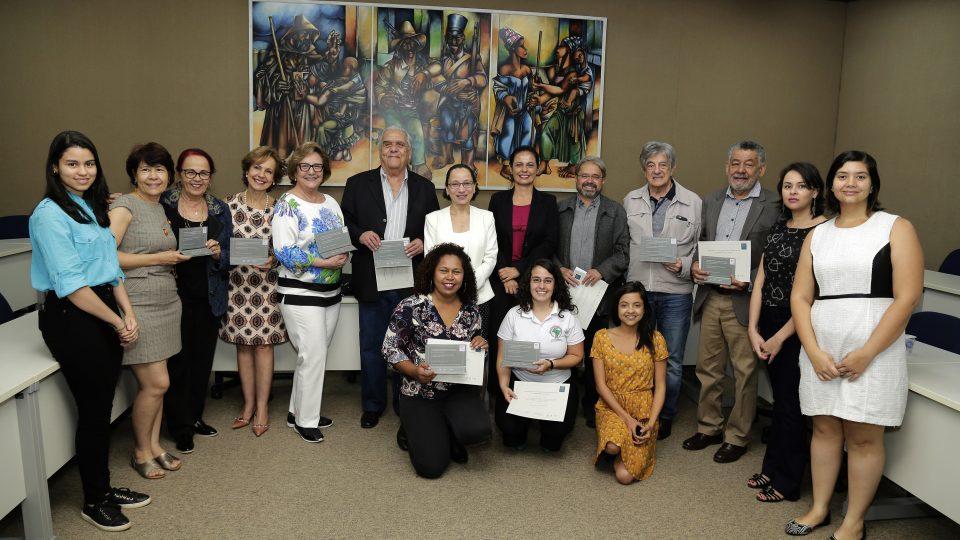 Grupo homenageado por suas contribuições ao crescimento da extensão na UFMG. Foto: Foca Lisboa / UFMG