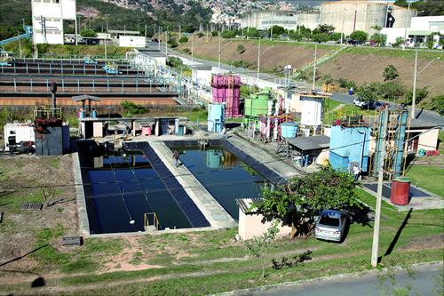 Centro de pesquisa na ETE Arrudas: sistemas demandam poucos recursos e energia