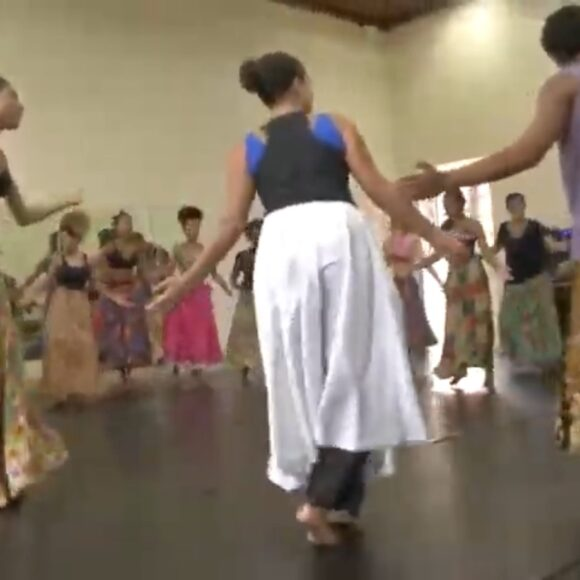"""Oficina """"Corporeidades afro-brasileiras e africanas"""""""