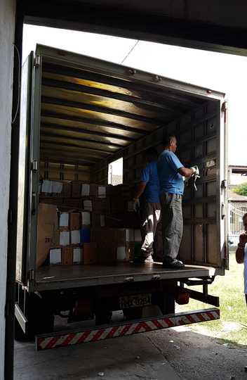 UFMG elimina documentos de arquivo sem valor permanente