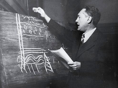 Professor Djalma Guimarães em conferência na Sociedade Mineira de Engenheiros (1934)