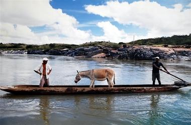 VALE-canoa.JPG