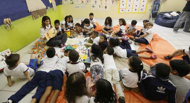 Leituraco-permite-a-alunos-da-rede-publica-municipal-de-ensino-ter-contato-com-obras-da-literatura-afro-brasileira-foto-Cesar-Ogata-Secom-PMSP_201411270004.jpg