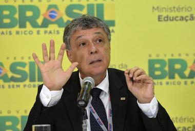 Wilson%20Dias%20-%20Ag%EAncia%20Brasil%20-%20Fotos%20P%FAblicas%20-%2013.01.2015.jpg