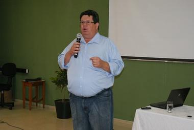 professor-ICA.JPG