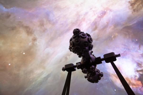 Espaço do Conhecimento promove oficina de astronomia, com tradução em Libras