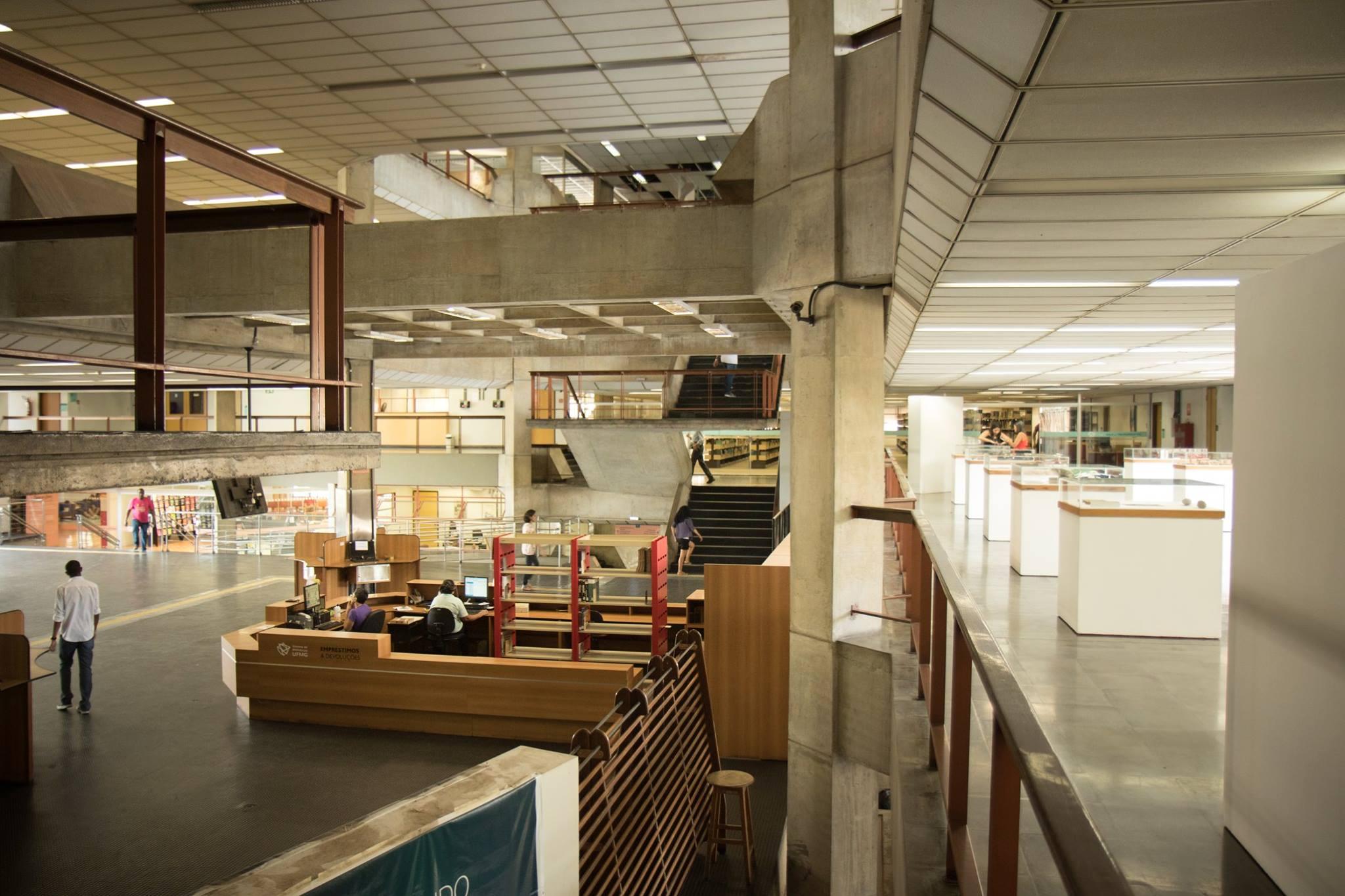 Exposição sobre a UFMG na Biblioteca Central articula 'passado, presente e inovação'